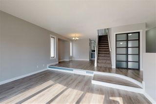 Photo 3: 15836 98 Street in Edmonton: Zone 27 House for sale : MLS®# E4164717
