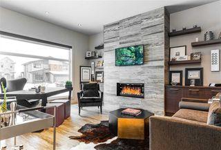 Photo 2: 624 HOWATT Drive in Edmonton: Zone 55 House for sale : MLS®# E4184100