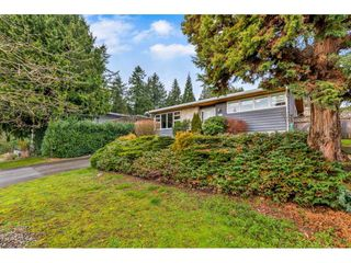 Photo 2: 4777 CLINTON Street in Burnaby: South Slope House for sale (Burnaby South)  : MLS®# R2432788