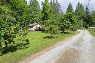 Photo 1: 1102 REED Road in Gibsons: Gibsons & Area House for sale (Sunshine Coast)  : MLS®# R2448224