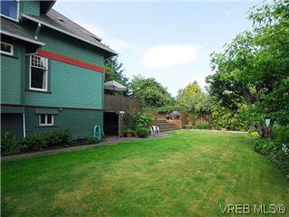 Photo 13: 1038 Chamberlain St in VICTORIA: Vi Fairfield East House for sale (Victoria)  : MLS®# 576813