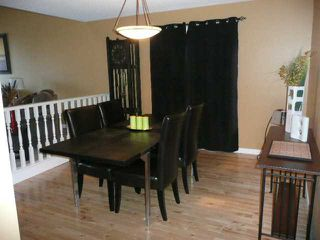 Photo 3: 75 WOODGREEN Drive SW in CALGARY: Woodlands Residential Detached Single Family for sale (Calgary)  : MLS®# C3498209
