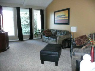 Photo 5: 75 WOODGREEN Drive SW in CALGARY: Woodlands Residential Detached Single Family for sale (Calgary)  : MLS®# C3498209
