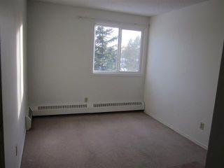 Photo 7: 215A 5611 10 Avenue: Edson Condo for sale : MLS®# 28028