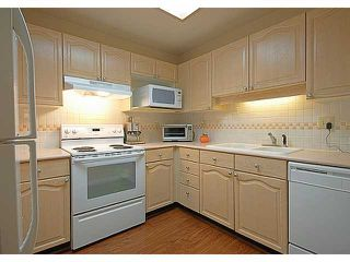 "Photo 5: # 302 6707 SOUTHPOINT DR in Burnaby: South Slope Condo for sale in ""MISSION WOODS"" (Burnaby South)  : MLS®# V964976"