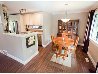 "Photo 3: 1807 LILAC Drive in Surrey: King George Corridor Townhouse for sale in ""ALDERWOOD PLACE"" (South Surrey White Rock)  : MLS®# F1321889"