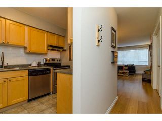 "Photo 7: 103 15991 THRIFT Avenue: White Rock Condo for sale in ""ARCADIAN"" (South Surrey White Rock)  : MLS®# F1433551"