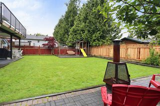 Photo 21: 18843 61A Avenue in Surrey: Cloverdale BC House for sale (Cloverdale)  : MLS®# F1439578