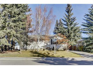 Photo 1: 5612 LADBROOKE Drive SW in Calgary: Lakeview House for sale : MLS®# C4036600