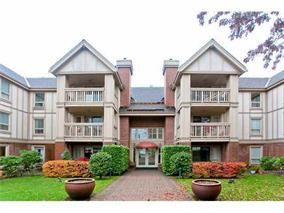 "Main Photo: 215 843 22ND Street in West Vancouver: Dundarave Condo for sale in ""Tudor Gardens"" : MLS®# R2073947"