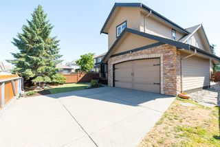 Photo 2: 7257 197B Street in Langley: Willoughby Heights House for sale : MLS®# R2096673