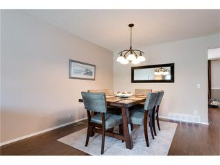 Photo 10: 31 STRATHEARN Crescent SW in Calgary: Strathcona Park House for sale : MLS®# C4076138