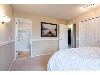 Photo 18: 31 STRATHEARN Crescent SW in Calgary: Strathcona Park House for sale : MLS®# C4076138