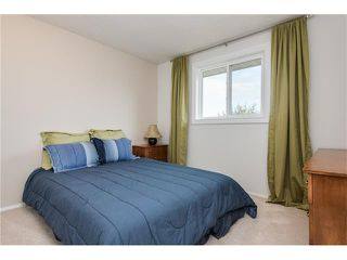 Photo 21: 31 STRATHEARN Crescent SW in Calgary: Strathcona Park House for sale : MLS®# C4076138