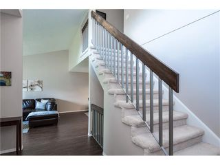 Photo 7: 31 STRATHEARN Crescent SW in Calgary: Strathcona Park House for sale : MLS®# C4076138