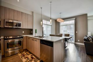 """Photo 4: 34 19433 68 Avenue in Surrey: Clayton Townhouse for sale in """"The Grove"""" (Cloverdale)  : MLS®# R2123244"""