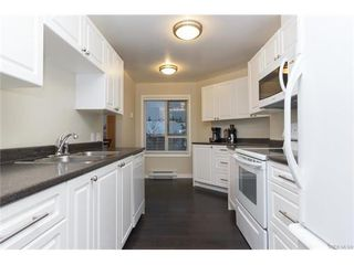 Photo 7: 410 490 Marsett Pl in VICTORIA: SW Royal Oak Condo for sale (Saanich West)  : MLS®# 747661