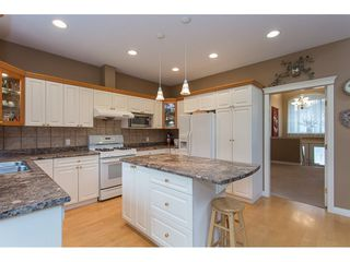 "Photo 5: 19659 JOYNER Place in Pitt Meadows: South Meadows House for sale in ""EMERALD MEADOWS"" : MLS®# R2134987"