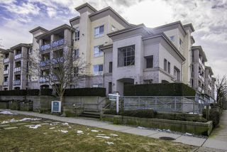 "Photo 1: 331 5500 ANDREWS Road in Richmond: Steveston South Condo for sale in ""SOUTHWATER"" : MLS®# R2143846"