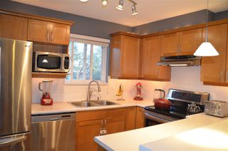 "Photo 2: 314 365 E 1ST Street in North Vancouver: Lower Lonsdale Condo for sale in ""Vista at Hammersly"" : MLS®# R2151657"