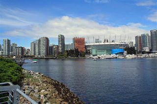 "Photo 17: 509 1633 ONTARIO Street in Vancouver: False Creek Condo for sale in ""KAYAK"" (Vancouver West)  : MLS®# R2158805"