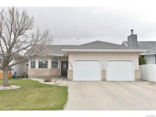 Photo 1: 8092 STRUTHERS Crescent in Regina: Westhill Single Family Dwelling for sale (Regina Area 02)  : MLS®# 607013