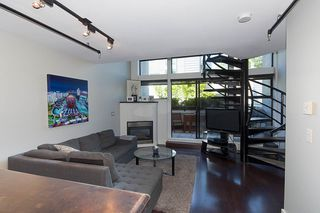 """Photo 5: 312 428 W 8TH Avenue in Vancouver: Mount Pleasant VW Condo for sale in """"XL LOFTS"""" (Vancouver West)  : MLS®# R2183046"""