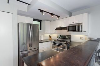 """Photo 15: 312 428 W 8TH Avenue in Vancouver: Mount Pleasant VW Condo for sale in """"XL LOFTS"""" (Vancouver West)  : MLS®# R2183046"""