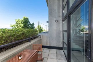 """Photo 11: 312 428 W 8TH Avenue in Vancouver: Mount Pleasant VW Condo for sale in """"XL LOFTS"""" (Vancouver West)  : MLS®# R2183046"""