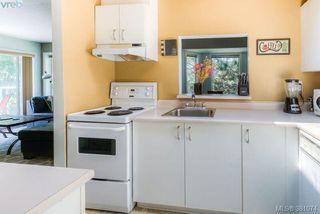 Photo 9: 304 1039 Caledonia Ave in VICTORIA: Vi Central Park Condo for sale (Victoria)  : MLS®# 765694