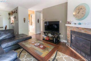 Photo 4: 304 1039 Caledonia Ave in VICTORIA: Vi Central Park Condo for sale (Victoria)  : MLS®# 765694
