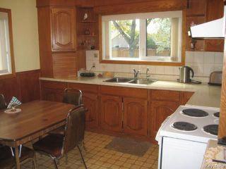 Photo 2: 246 La Verendrye Street in Winnipeg: St Boniface Residential for sale (2A)  : MLS®# 1726186
