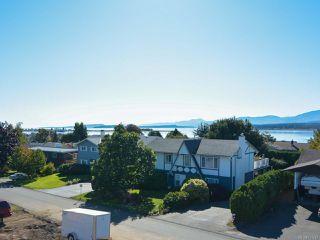 Photo 2: 2070 MURPHY Avenue in COMOX: CV Comox (Town of) House for sale (Comox Valley)  : MLS®# 771747