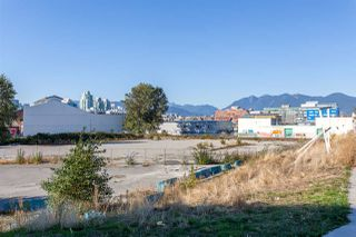 "Photo 19: 205 384 E 1ST Avenue in Vancouver: Mount Pleasant VE Condo for sale in ""CANVAS"" (Vancouver East)  : MLS®# R2212323"