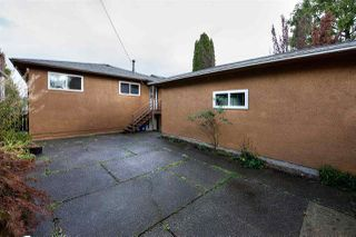 "Photo 18: 2688 HORLEY Street in Vancouver: Collingwood VE House for sale in ""NORQUAY"" (Vancouver East)  : MLS®# R2212925"