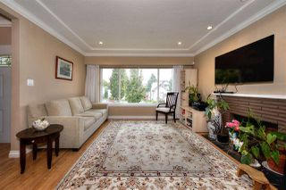"Photo 3: 2688 HORLEY Street in Vancouver: Collingwood VE House for sale in ""NORQUAY"" (Vancouver East)  : MLS®# R2212925"