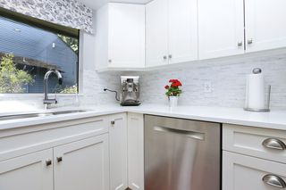 "Photo 16: 822 FREDERICK Road in North Vancouver: Lynn Valley Townhouse for sale in ""Lara Lynn"" : MLS®# R2214486"