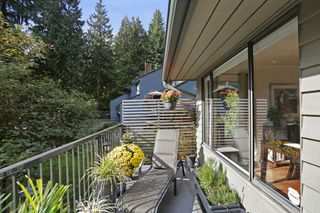 "Photo 8: 822 FREDERICK Road in North Vancouver: Lynn Valley Townhouse for sale in ""Lara Lynn"" : MLS®# R2214486"