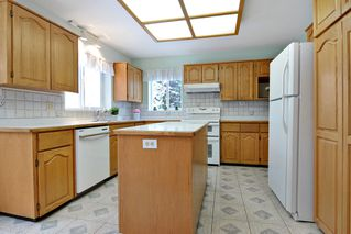 Photo 10: 8668 213 St FOREST HILLS Walnut Grove in Langley: Home for sale