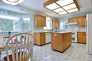 Photo 11: 8668 213 St FOREST HILLS Walnut Grove in Langley: Home for sale