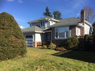 Photo 2: 8668 213 St FOREST HILLS Walnut Grove in Langley: Home for sale