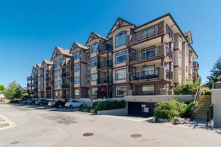 Photo 2: 114 19939 55A Avenue in Langley: Langley City Condo for sale : MLS®# R2248013