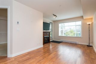 Photo 4: 114 19939 55A Avenue in Langley: Langley City Condo for sale : MLS®# R2248013