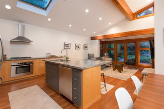 Photo 5: 715 E 18TH Street in North Vancouver: Boulevard House for sale : MLS®# R2261100
