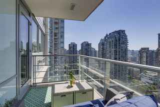 Photo 7: 2101 565 SMITHE Street in Vancouver: Downtown VW Condo for sale (Vancouver West)  : MLS®# R2292481