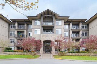 "Photo 2: 409 12268 224 Street in Maple Ridge: East Central Condo for sale in ""STONEGATE"" : MLS®# R2293677"