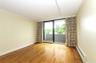 """Photo 12: 404 5350 BALSAM Street in Vancouver: Kerrisdale Condo for sale in """"Balsam House"""" (Vancouver West)  : MLS®# R2301031"""