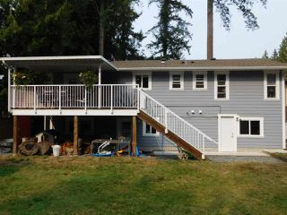 Photo 2: 19614 47 Avenue in Langley: Langley City House for sale : MLS®# R2306828