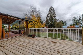 "Photo 3: 36072 SHORE Road in Mission: Dewdney Deroche House for sale in ""Hatzic Lake"" : MLS®# R2321298"