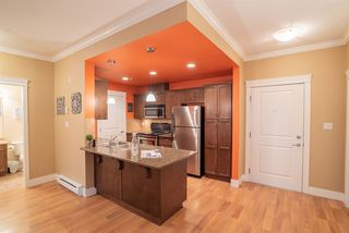 """Photo 10: 206 2068 SANDALWOOD Crescent in Abbotsford: Central Abbotsford Condo for sale in """"The Sterling"""" : MLS®# R2325184"""